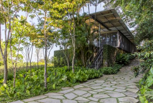 Residência A.B.V. / Andrade Morettin Arquitetos Associados